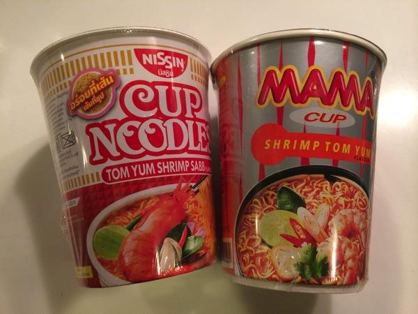 タイのMAMAトムヤムクンヌードルも食べて比べてみた