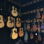 バンコクでアコースティックギター買ってみた