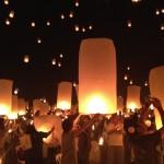 【感激!】チェンマイ イーペン祭り スカイランタンが上がる瞬間は絶景!