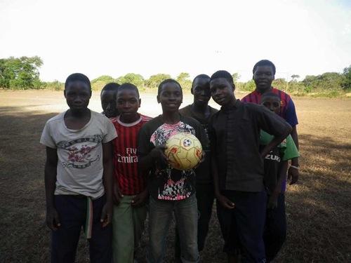 サッカーボールを通して世界平和に貢献!ピースボールアクションがタイで始まります!