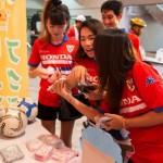 タイ人にもサンリオグッズが大人気!ピースボールアクションの認知向上に効果大!