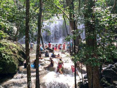 エラワンの滝