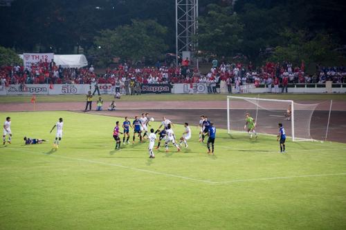 タイホンダFC対スコータイFC 2014年12月13日 12