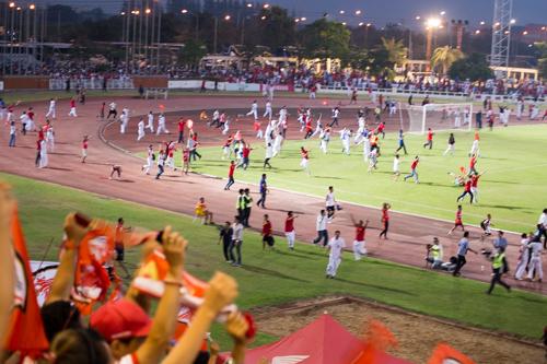 【タイサッカーD2】タイホンダFCがリーグ昇格を賭けた試合で、ロスタイム残り5秒で劇的な勝利!