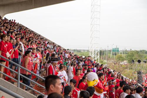 タイホンダFC対スコータイFC 2014年12月13日 3