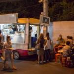 【移転】日本人にも人気!ソイ38の屋台街にやってくる移動販売のバーガー屋「DanielThaiger」