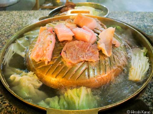 ファミリー・ムーガタで、タイ式焼肉「ムーガタ」を食べてみた。