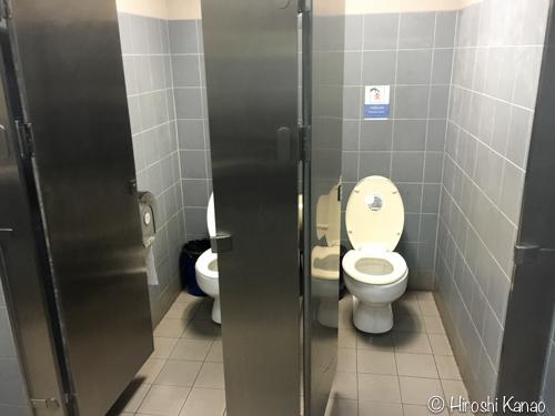 ルンピニ トイレ1