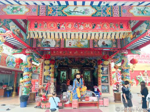 巨大ピンクガネーシャのお寺18