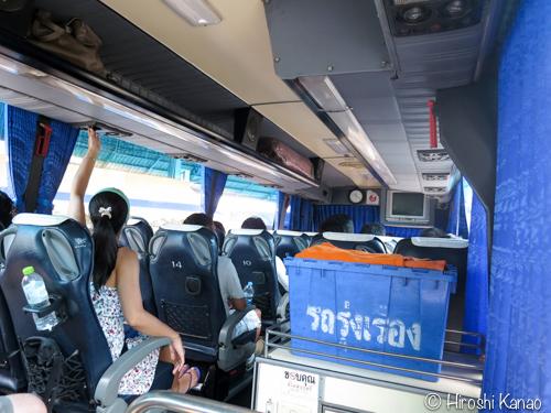 バンコク パタヤ バス 22