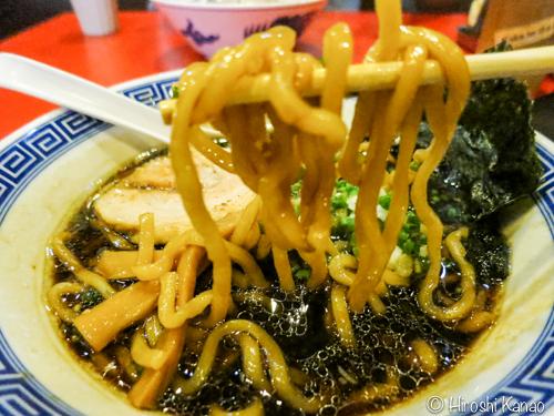 麺屋こうじ バンコク 大阪ブラックラーメン 3