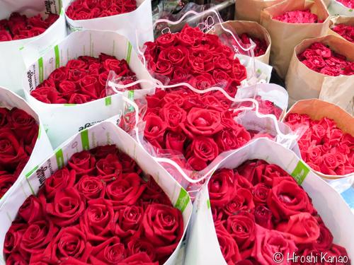 バラの花束が激安!バンコクでキレイな花を買うなら、激安のフラワーマーケットが絶対オススメ!