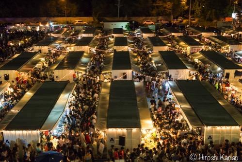 おしゃれなコンテナー市場【Artbox Bangkok】に行ってみたが、人が多すぎて目眩。
