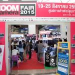 タイ人にはFUJIFILMが人気か?!セール中のZOOM CAMERA FAIR 2015に行ってみた。