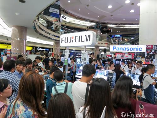 Zoom camera fair 2015 3