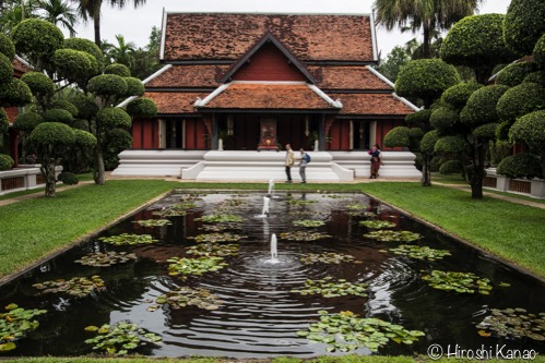 ロウソク祭りの期間に特別公開される、タイ東北の伝統的なシルク製作所「バーン・カン・プン」