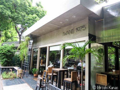 アソークの定番カフェ「イワネ」は朝が気持ちよくてオススメ