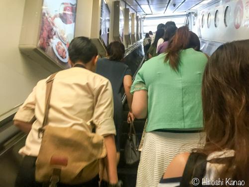 バンコク 電車 地下鉄 エスカレーター 2