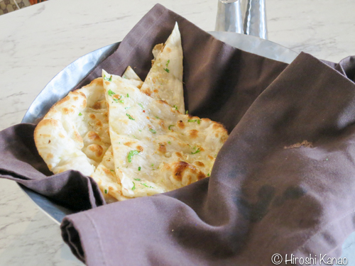 ガーリックナンとカレーの相性抜群!高級インド料理Masala Artに行ってみた