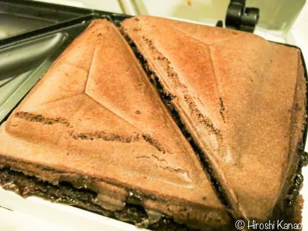 タイ セブン イレブン ホットサンド チョコレートケーキサンド 4