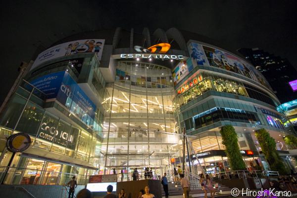 2015年1月 タラートロットファイ ラチャダー バンコク ナイトマーケット 人気スポット 観光 1