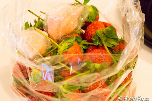 バンコク 路上 量り売り フルーツ いちご タイ産 2