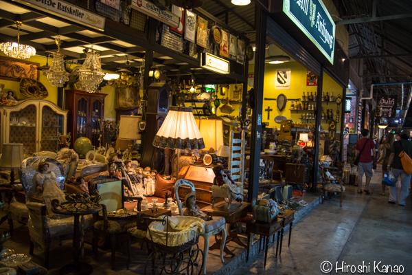 タラート ロットファイ ラチャダー タイカルチャーセンター ナイトマーケット エスプレネード裏 タイ 観光 バンコク 12