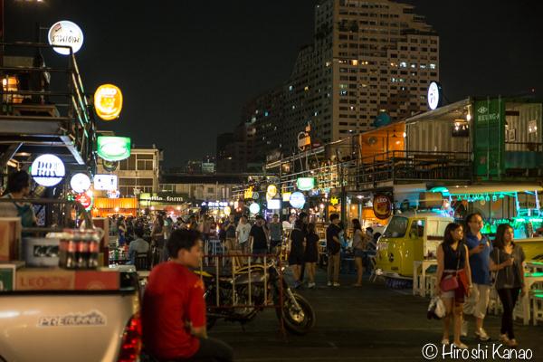 タラート ロットファイ ラチャダー タイカルチャーセンター ナイトマーケット エスプレネード裏 タイ 観光 バンコク 21