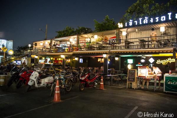 タラート ロットファイ ラチャダー タイカルチャーセンター ナイトマーケット エスプレネード裏 タイ 観光 バンコク 3