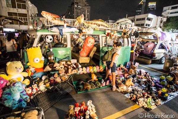 2015年1月 タラートロットファイ ラチャダー バンコク ナイトマーケット 人気スポット 観光 13