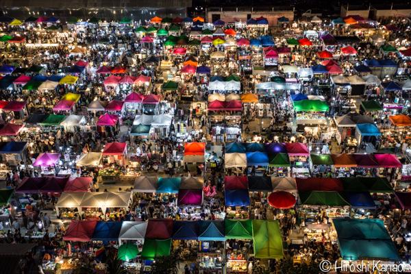 2015年1月 タラートロットファイ ラチャダー バンコク ナイトマーケット 人気スポット 観光 6