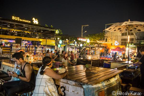 タラート ロットファイ ラチャダー タイカルチャーセンター ナイトマーケット エスプレネード裏 タイ 観光 バンコク 2