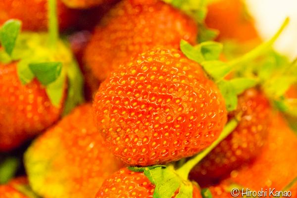 バンコク 路上 量り売り フルーツ いちご タイ産 3