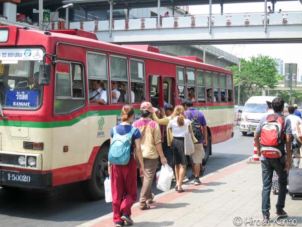 バンコクのモーチットからドンムアン空港まで高速バスで行く方法 3