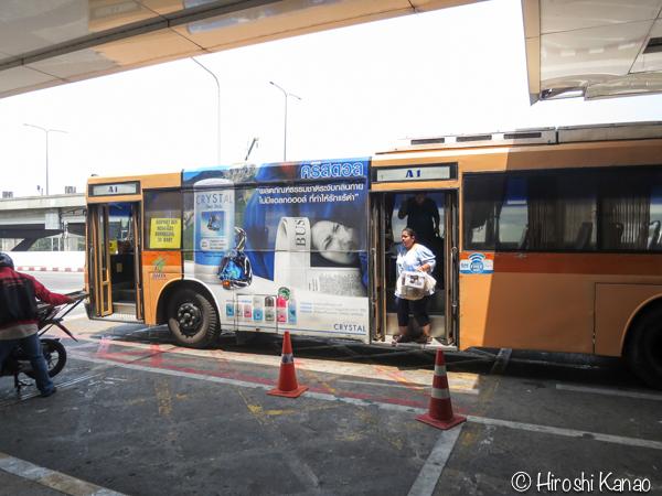 バンコクのモーチットからドンムアン空港まで高速バスで行く方法 11
