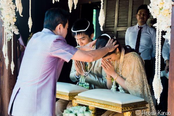 タイ 結婚式 タイ式ウェディング タイ人と結婚 国際結婚 結納金 ゴールド 14