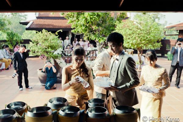 タイ 結婚式 タイ式ウェディング タイ人と結婚 国際結婚 読経3