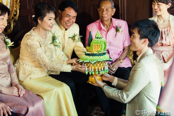 タイ 結婚式 タイ式ウェディング タイ人と結婚 国際結婚 結納金 ゴールド 7