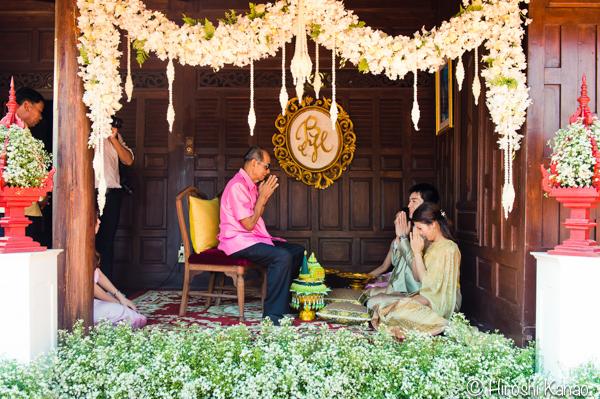 タイ 結婚式 タイ式ウェディング タイ人と結婚 国際結婚 結納金 ゴールド 12