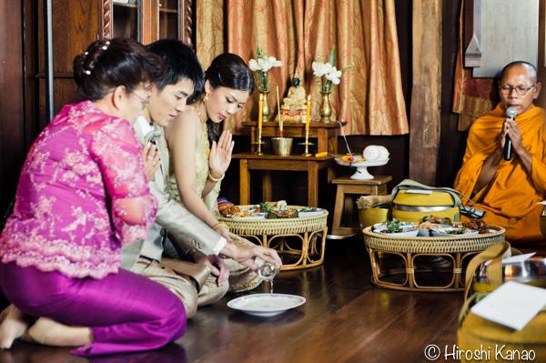 タイ 結婚式 タイ式ウェディング タイ人と結婚 国際結婚 読経7
