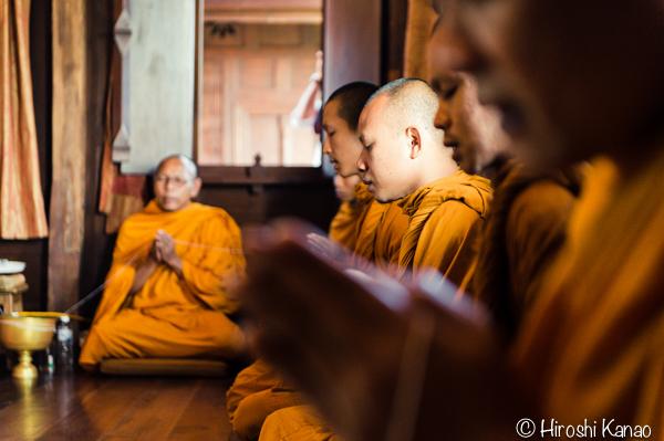 タイ 結婚式 タイ式ウェディング タイ人と結婚 国際結婚 読経2