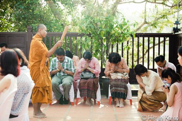タイ 結婚式 タイ式ウェディング タイ人と結婚 国際結婚 読経10