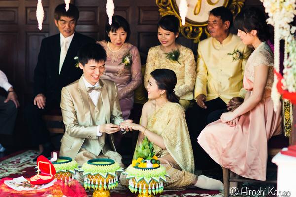 タイ 結婚式 タイ式ウェディング タイ人と結婚 国際結婚 結納金 ゴールド 9